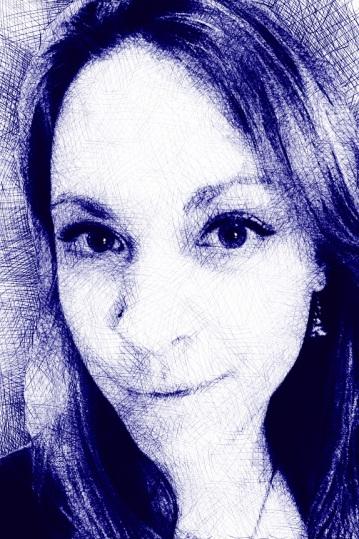 Cindy_Headshot18_ballpoint_LR